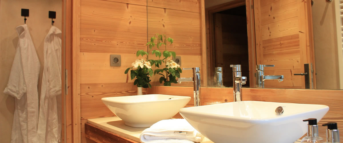 Catered Chalet Morzine -  Ensuite Bathroom